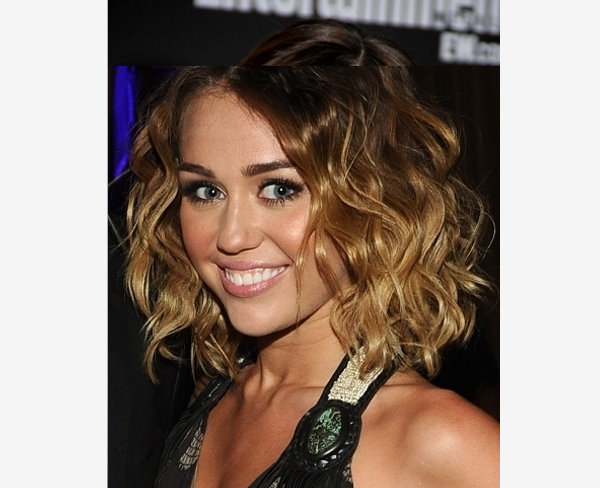 Admirable 1000 Images About Curly Haircuts On Pinterest Medium Bob Cuts Short Hairstyles Gunalazisus