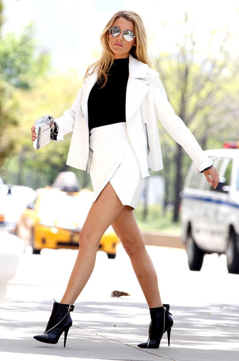 Watch Blake Lively Sexy - 7 Photos video