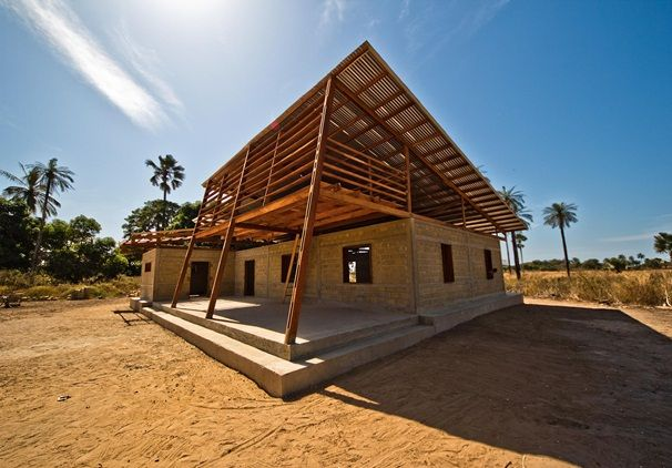 Youth center in senegal dwell house low cost for Arquitectura low cost