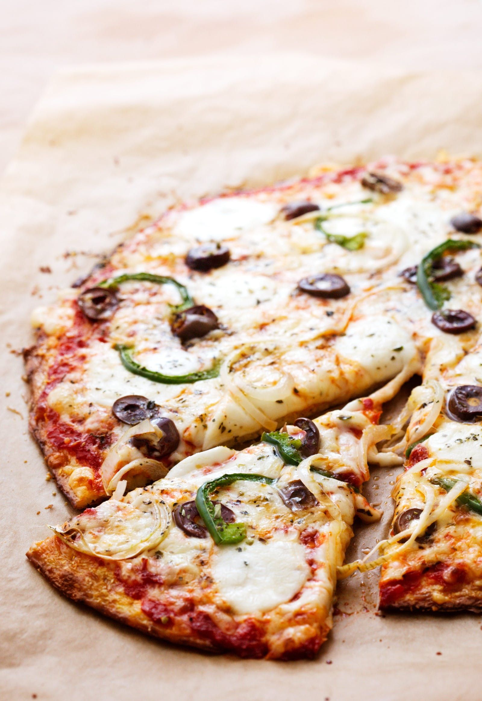 Low Carb Cauliflower Pizza With Green Peppers And Olives Recipe