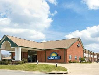 Days Inn Beebe Beebe (Arkansas) Featuring free WiFi and a year-round outdoor pool, Days Inn Beebe offers pet-friendly accommodation in Beebe.  There are shops at the property.  Little Rock is 50 km from Days Inn Beebe, while Conway is 48 km away.