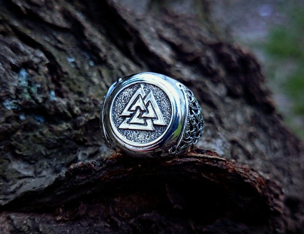 Mens 925 Sterling Silver Celtic Triskelion Norse Mammen Vikings Pendant Necklace