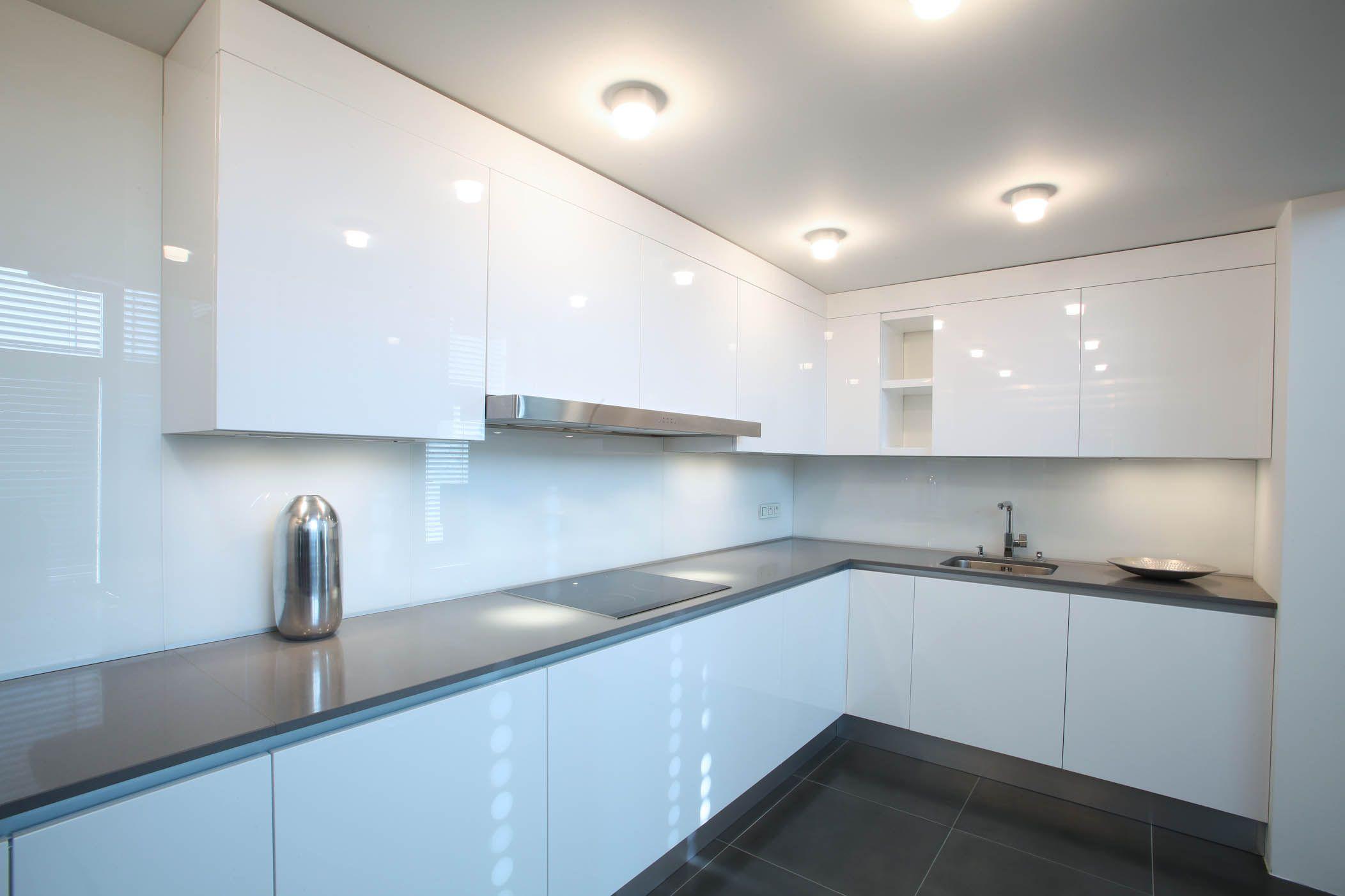 White, minimalistic, clean kitchen, beautiful lighting, kitchen ...