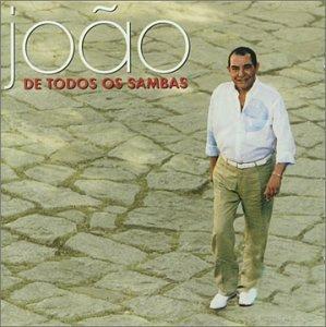 De Todos Os Sambas (1998) est l'un des tous derniers albums publié par l'auteur - compositeur - interprète João Nogueira disparu en 2000. João Nogueira a débuté sa carrière comme compositeur pour des écoles de Samba, puis pour des pointures de la MPB...