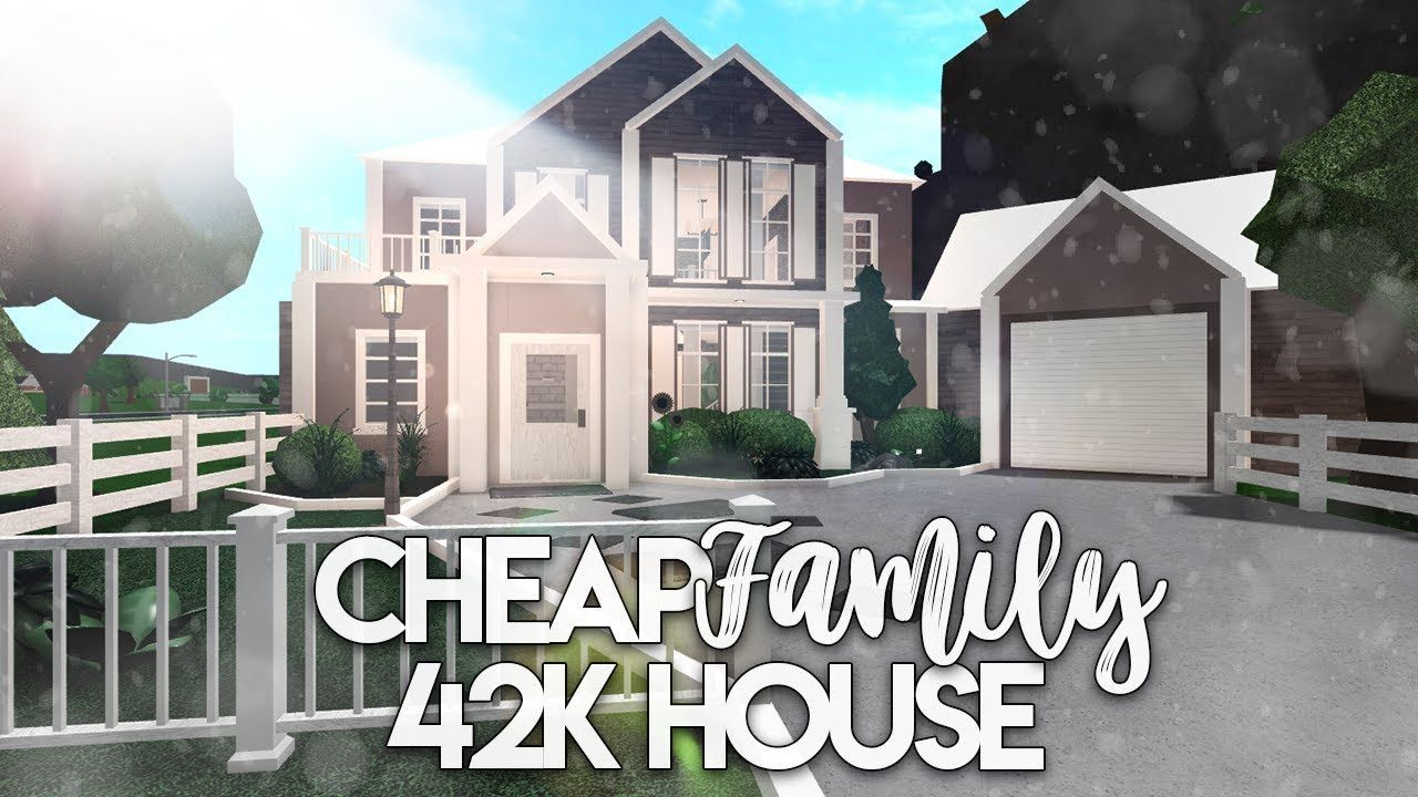 Roblox Bloxburg Cheap Family House House Build Youtube In 2020 Tiny House Builders Building A House Family House Plans