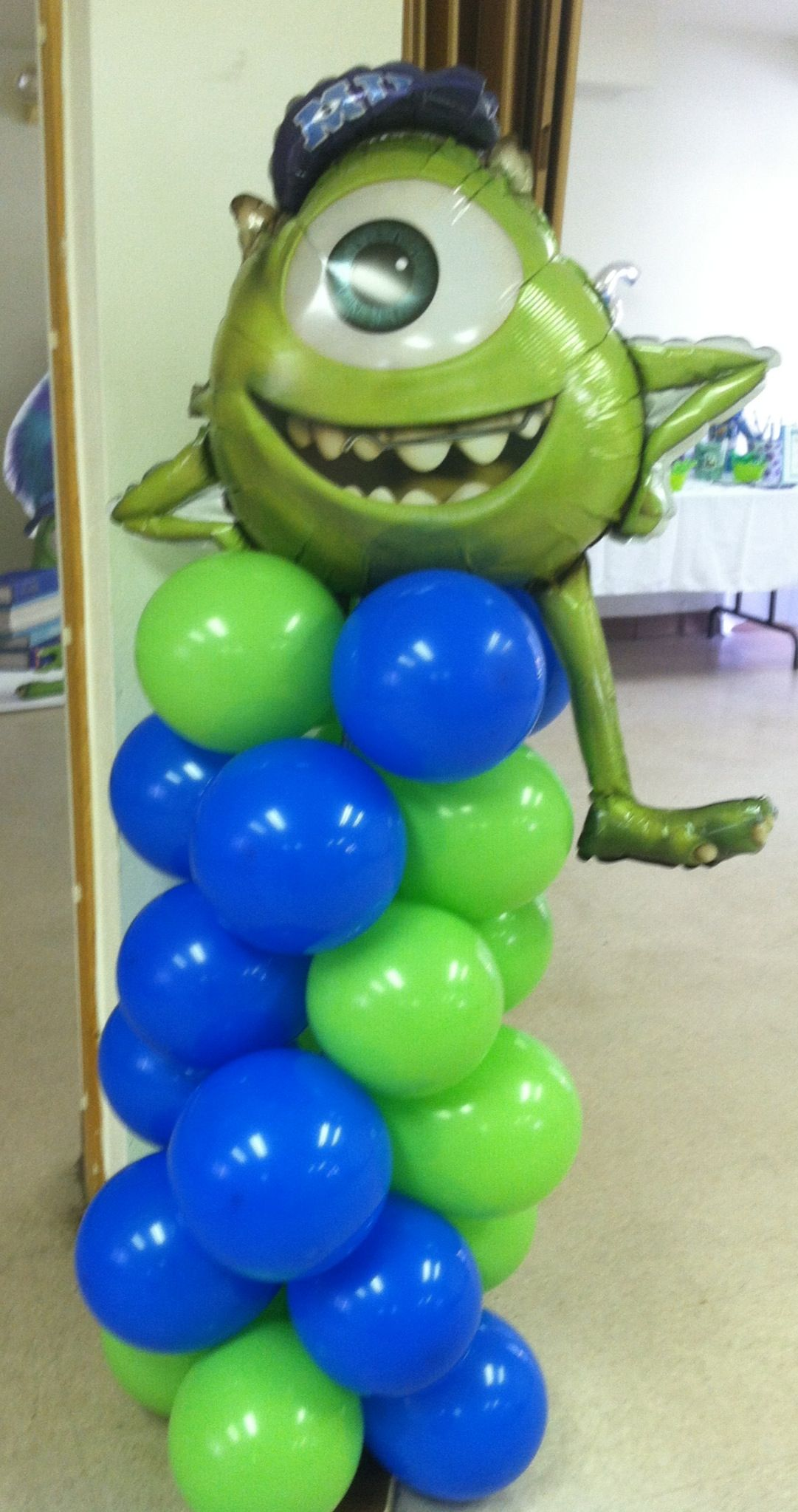 Diy balloon columns - Monster University Mike Balloon Column I Made