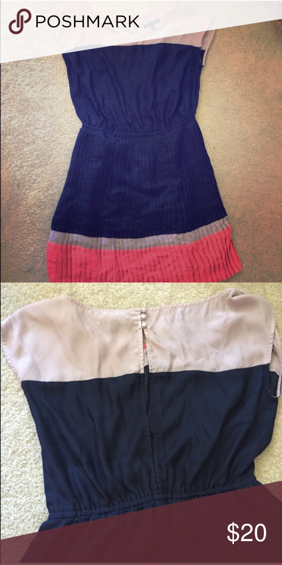 American Eagle color block dress  Gorgeous slimming light weight but not see through dress. Excellent condition no flaws American Eagle Outfitters Dresses Mini