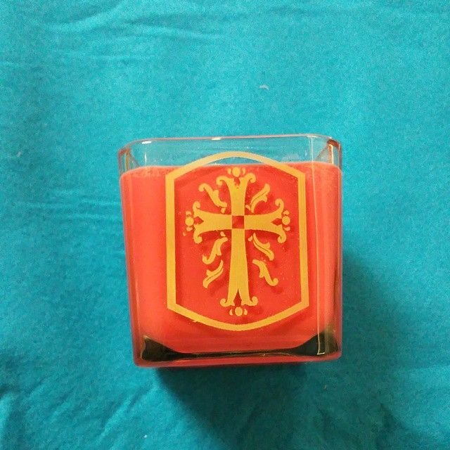 """""""3 x 3 x 3 soy candle. Cinnamon  scented with engraved cross. Added some gold inlay to make the cross pop on the red background.  #candles #valentinesday…"""""""