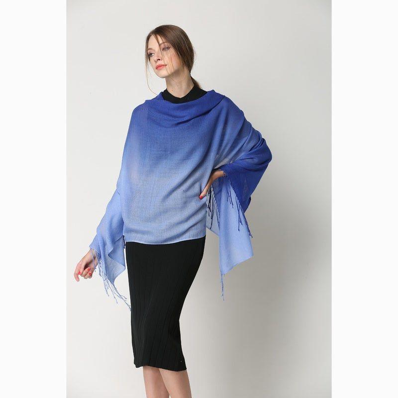 OZWEAR UGG 100% MERINO WOOL TIE DYE SCARF Style Number: WS027Available Size: 190cm x 70cmMaterial: 100% Merino Wool, Two Tone Tie Dye