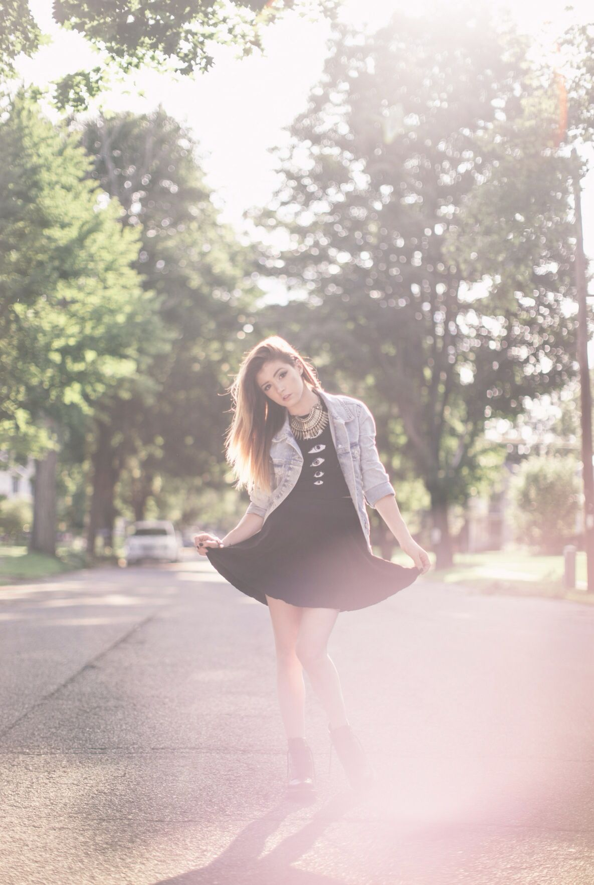 Chrissy Costanza.. Nice background xD