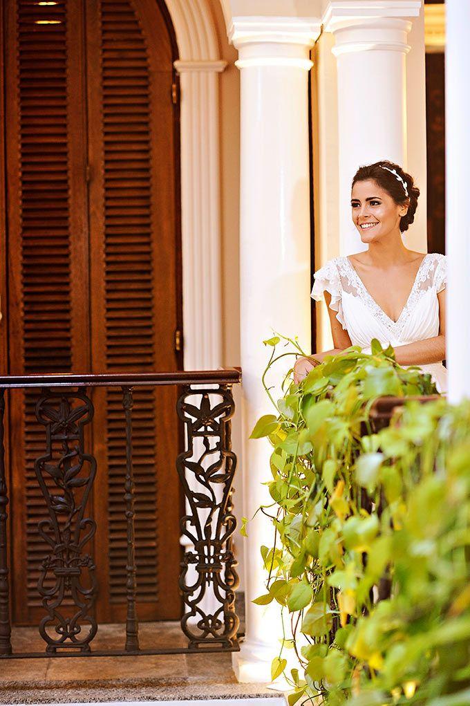 Beleza criada por Gabi Back. O casamento de Luiza e Robin, publicado no Euamocasamento.com. As fotos são de  Priscilla Hossaka. #euamocasamento #NoivasRio #Casabemcomvocê