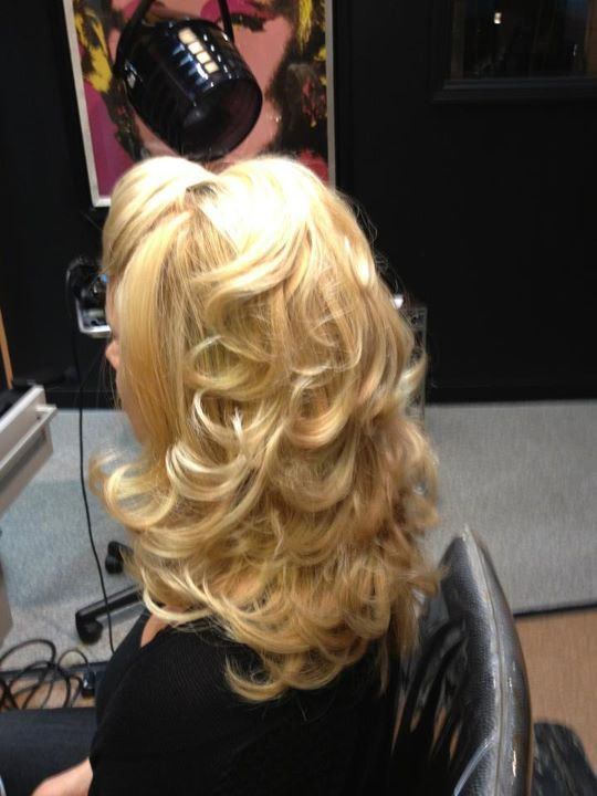 Wooohoo Found My Wedding Hair Do I Love It Now To Figure Out How It Will Look On Me Haha Hair Beauty Hair Hairdo