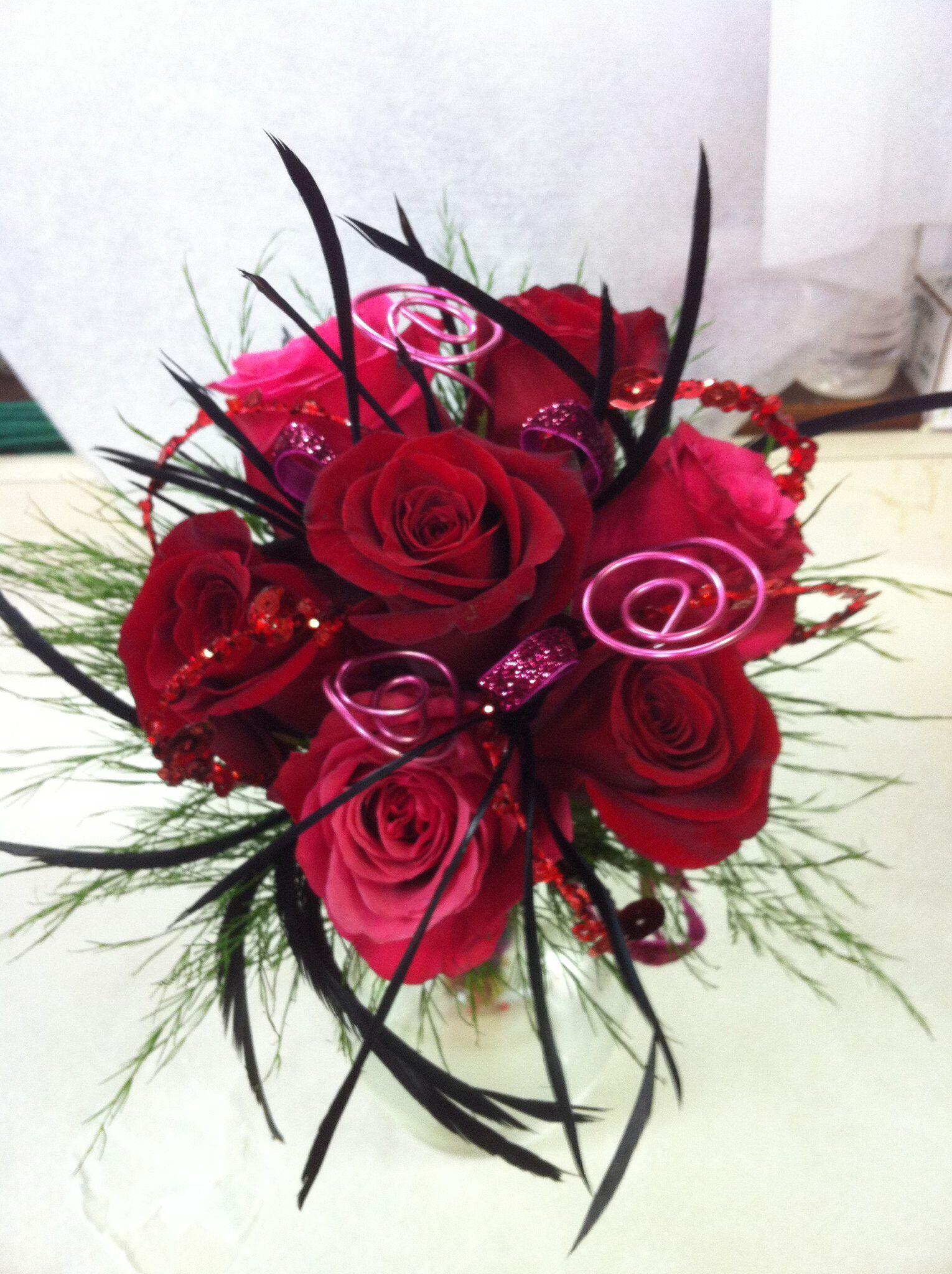Perfect Rose Garden Florist   Paducah Kentucky Roses Feathers Black Pink Homecoming  Prom Handheld Images
