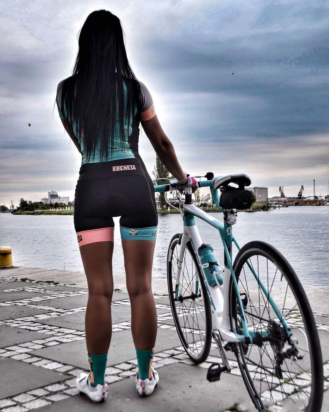 Ljepotice i bicikli - Page 12 Da89e9f00d294f761818bbd40c7f2fbd