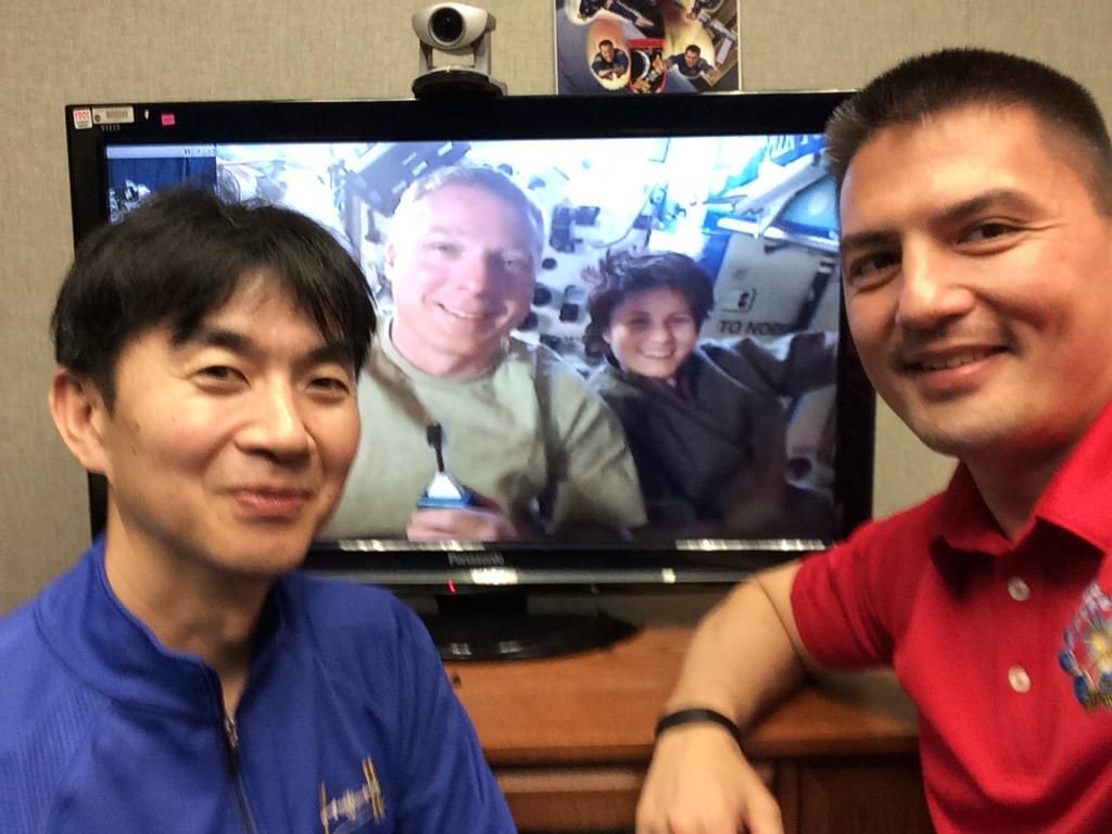 Handover conference w/ @Astro_Kimiya @AstroTerry @AstroSamantha Great chat about #LifeInSpace