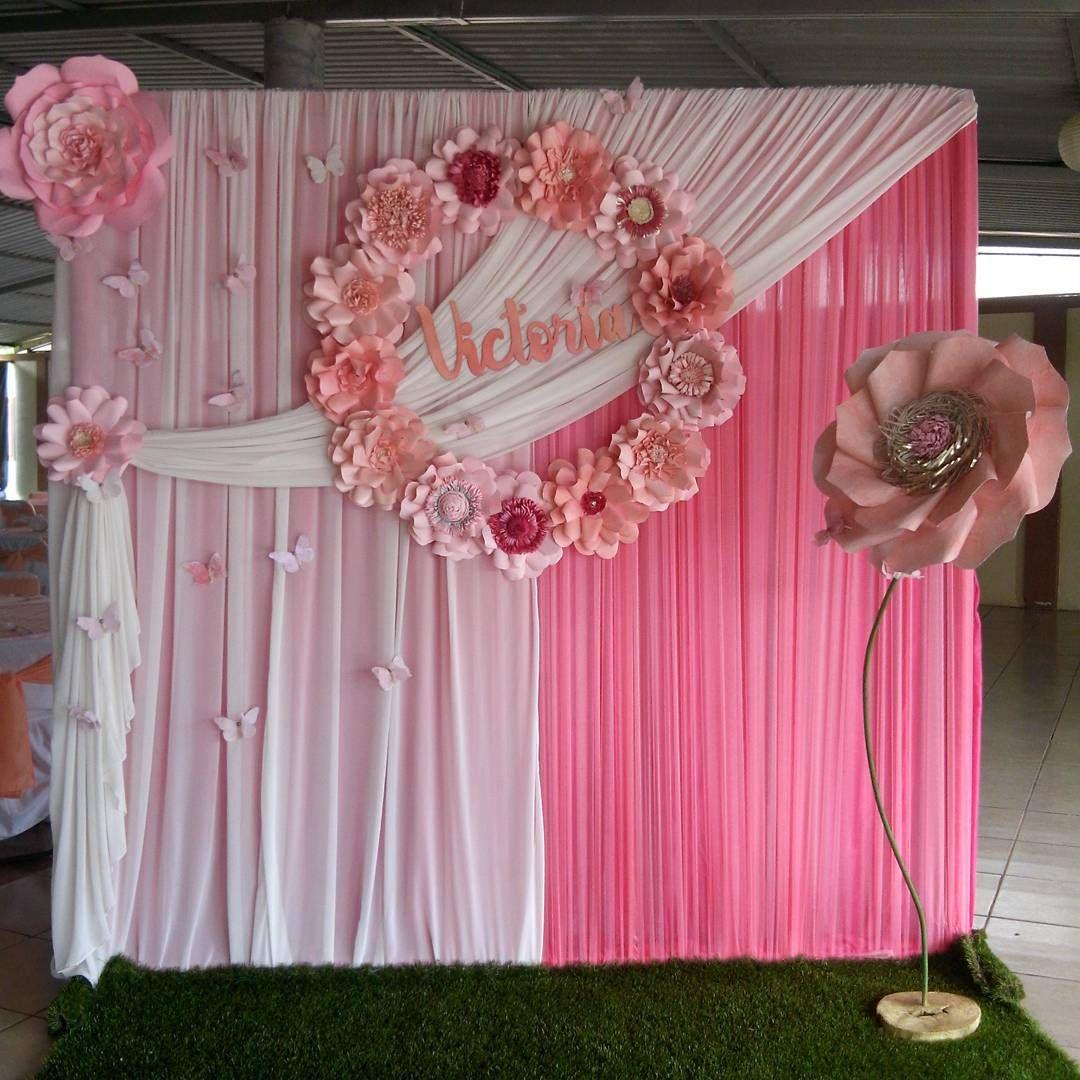 Bello y tierno panel con tela rosa y blanco y detalle al - Decoracion en cortinas ...