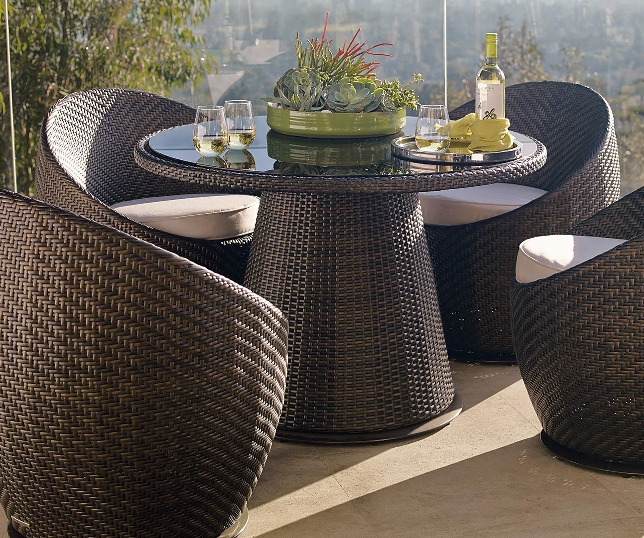 Gracefully curved and undeniably comfortable, the Salima Set is ...