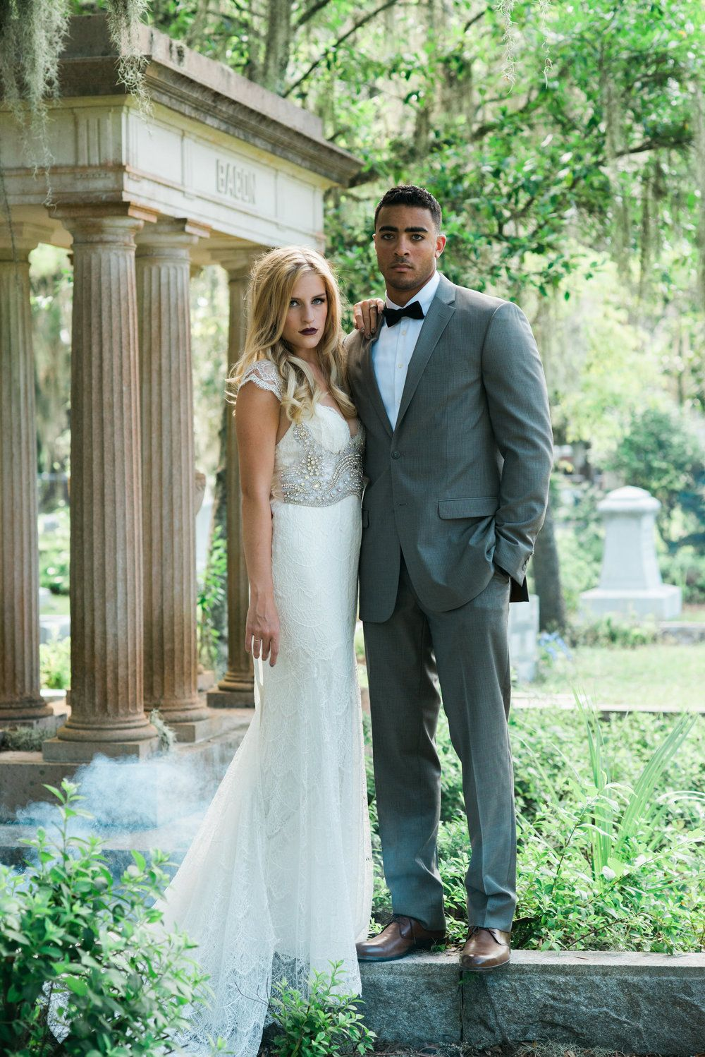 Haunted Wedding Inspiration At Bonaventure Cemetery Haunted Wedding Wedding Inspiration Savannah Wedding