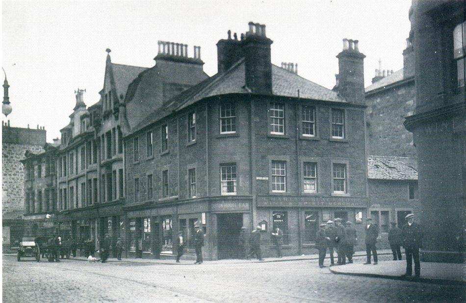 Port Street Stirling 1930   Old pictures, Stirling, Landmarks