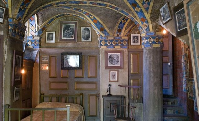 Thousands of handcrafted ceramic tiles were inset throughout Fonthill Castle, including Persian, Chinese, Spanish, and Dutch productions. (Jack Carnell Photography)
