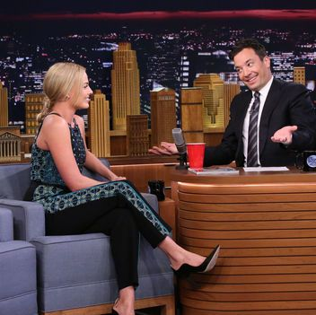 Margot Robbie Wears a Creative Braid Hairstyle on The Tonight Show with Jimmy Fallon: Lipstick.com