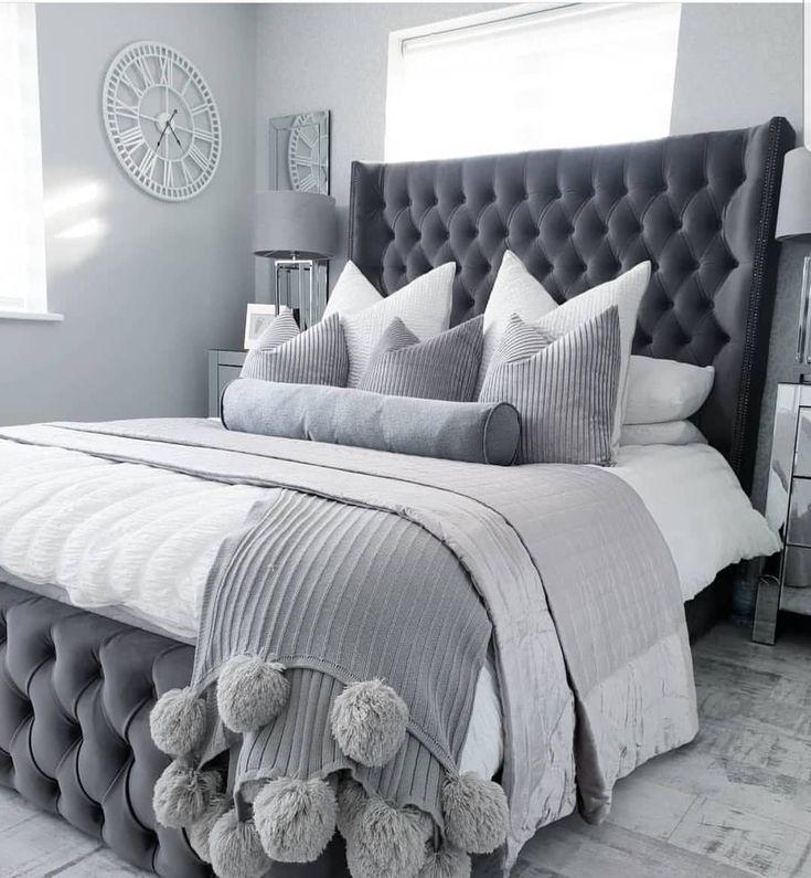 Best Chelsea Glitter Damask Wallpaper Soft Grey Silver In 2020 640 x 480