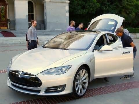 Tesla wants to turn the car insurance world upside down — and it ...