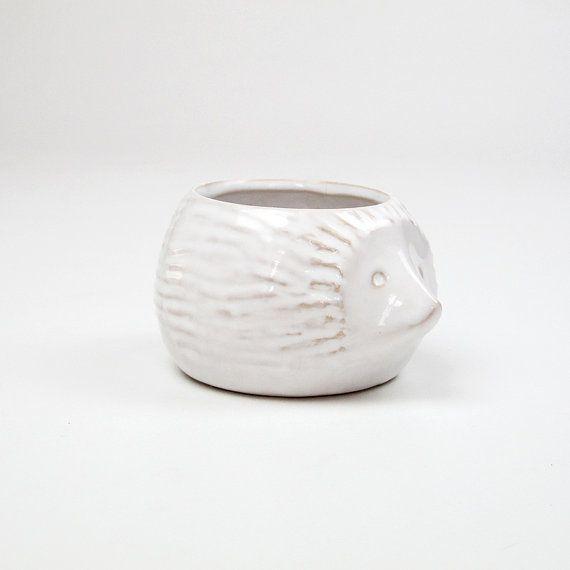 White Hedgehog Ceramic Planter Pot. by ArqueologiaDomestica, €23.00