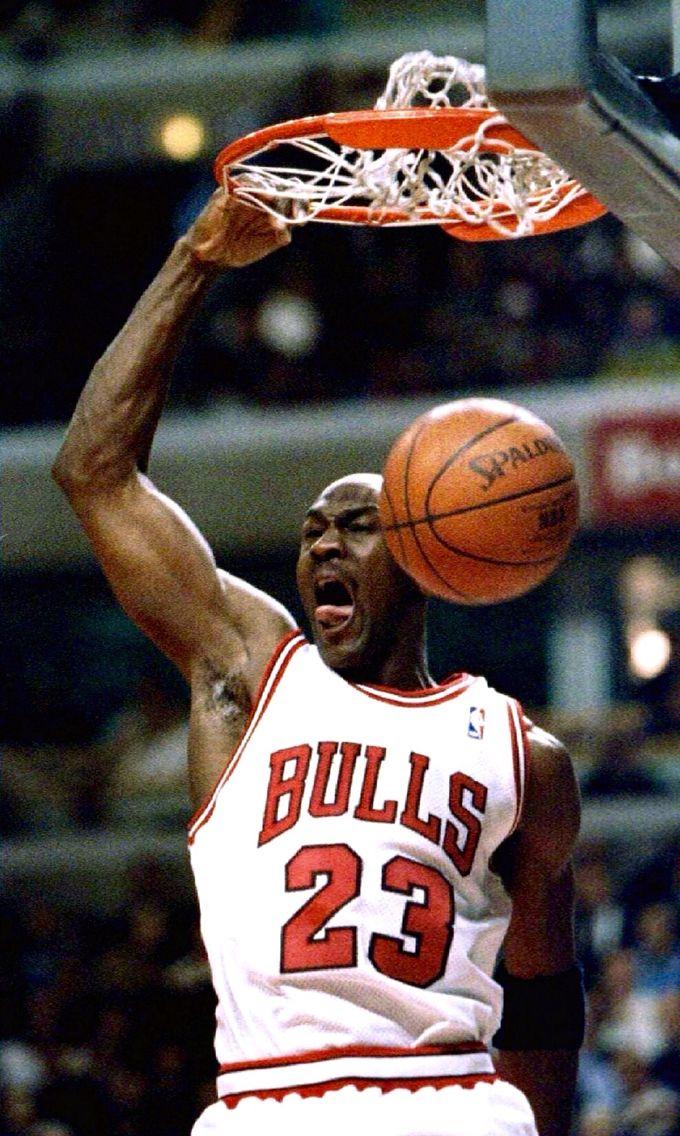 85198f52982 MJ Michael Jordan, Mike Jordan, Jordan Bulls, Basketball Legends, Love And  Basketball