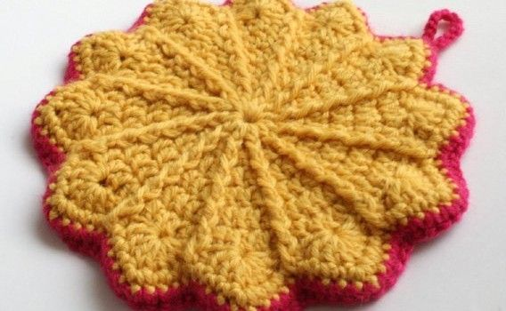 Free Pattern This Double-Sided Potholder Is So Cute ...