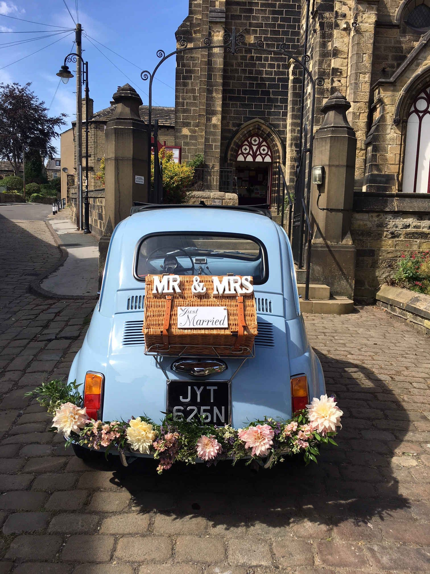 Classic fiat 500 wedding vintage wedding cinquecento
