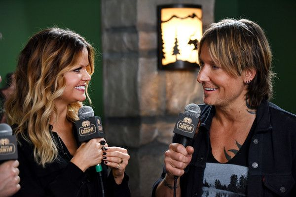 Keith Urban Photos - Singer Keith Urban (R) attends the 2016 iHeartCountry Festival at The Frank Erwin Center on April 30, 2016 in Austin, Texas. - 2016 iHeartCountry Festival at the Frank Erwin Center - Backstage