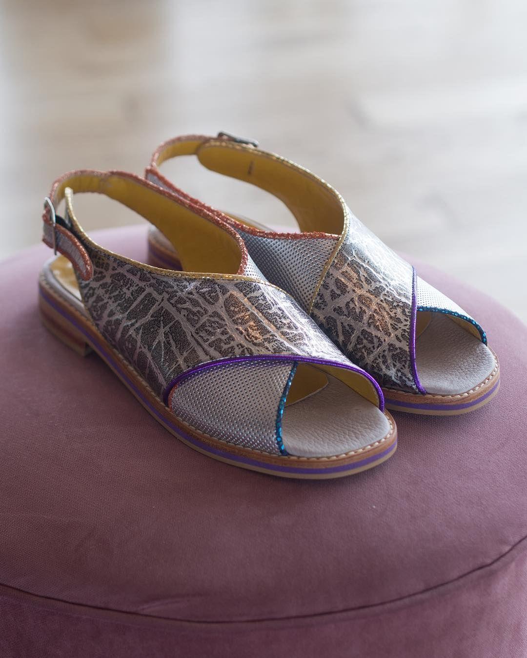 BASTIDOR Plata Uno de los modelos de sandalias que más gustó de la ...