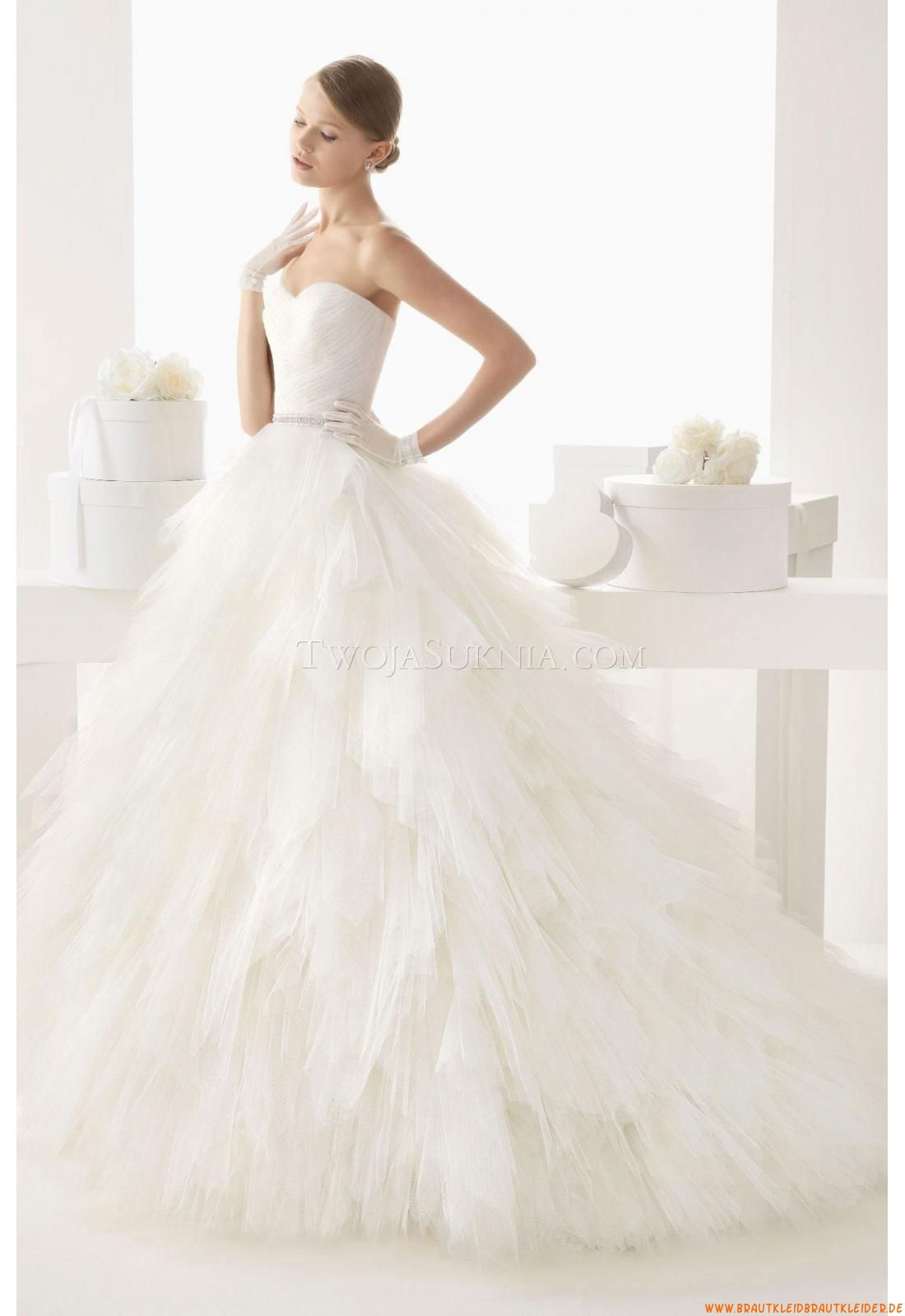 Feder Brautkleider 2014 | Hochzeit | Pinterest | Quill, Brautkleider ...