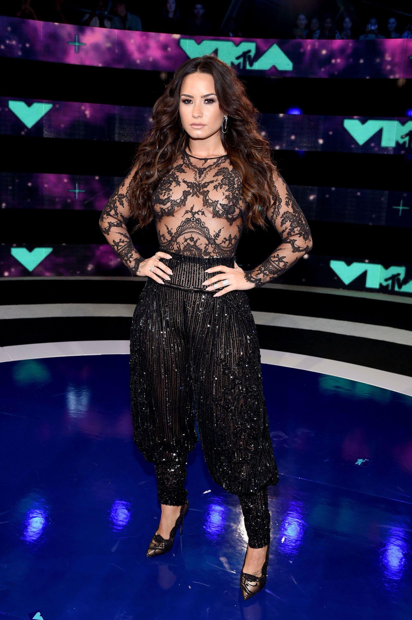 Paparazzi Demetria Lovato nudes (31 foto and video), Tits, Hot, Feet, underwear 2006