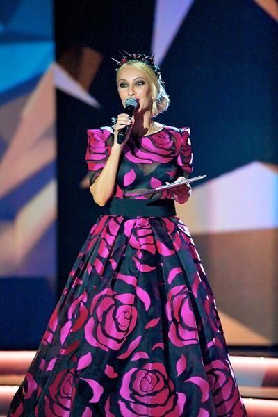 Розовое платье леры кудрявцева