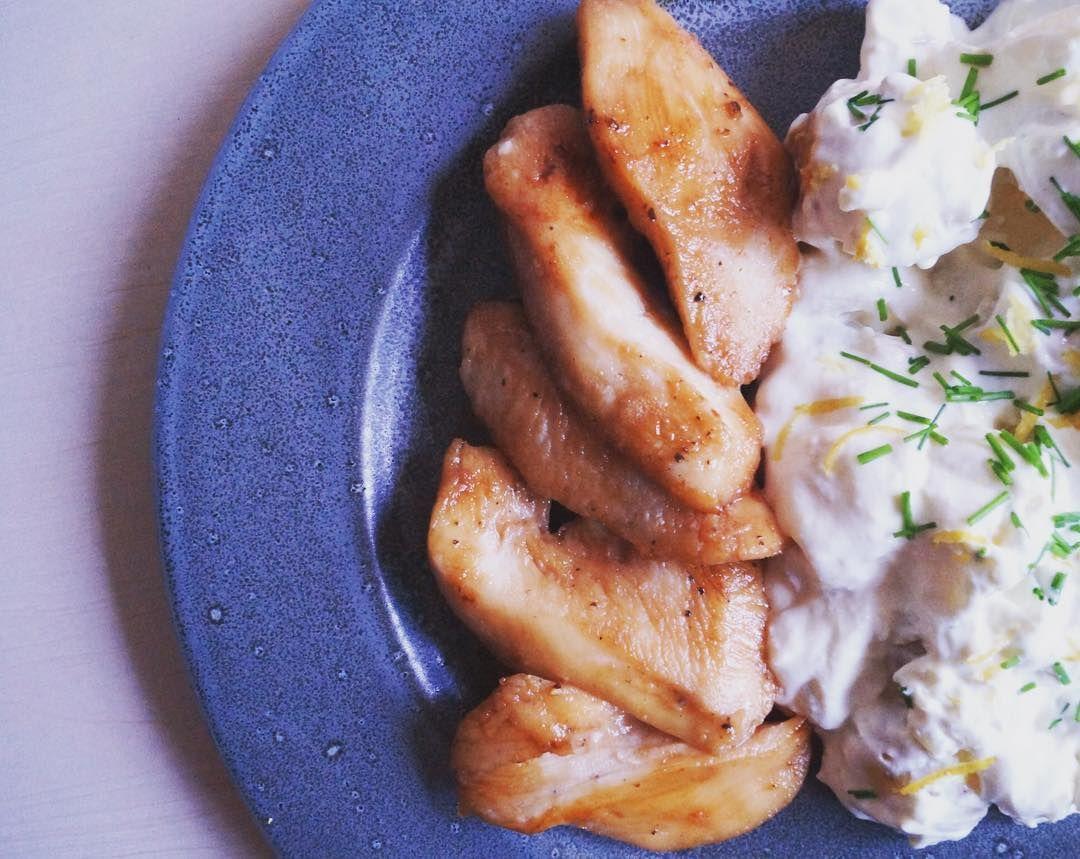 Marineret kylling og en frisk kold kartoffelsalat - om den er sund sund kan diskuteres, men damn det var godt!