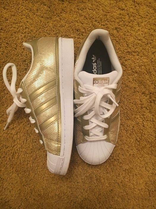 e7d590ecab Goldene Adidas Superstars   lll MUST HAVES lll   Adidas superstar ...