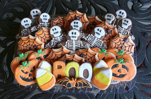 Spooky Halloween Cookie Tray