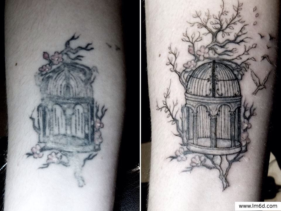 Cover up Tattoo by la main à 6 doigts