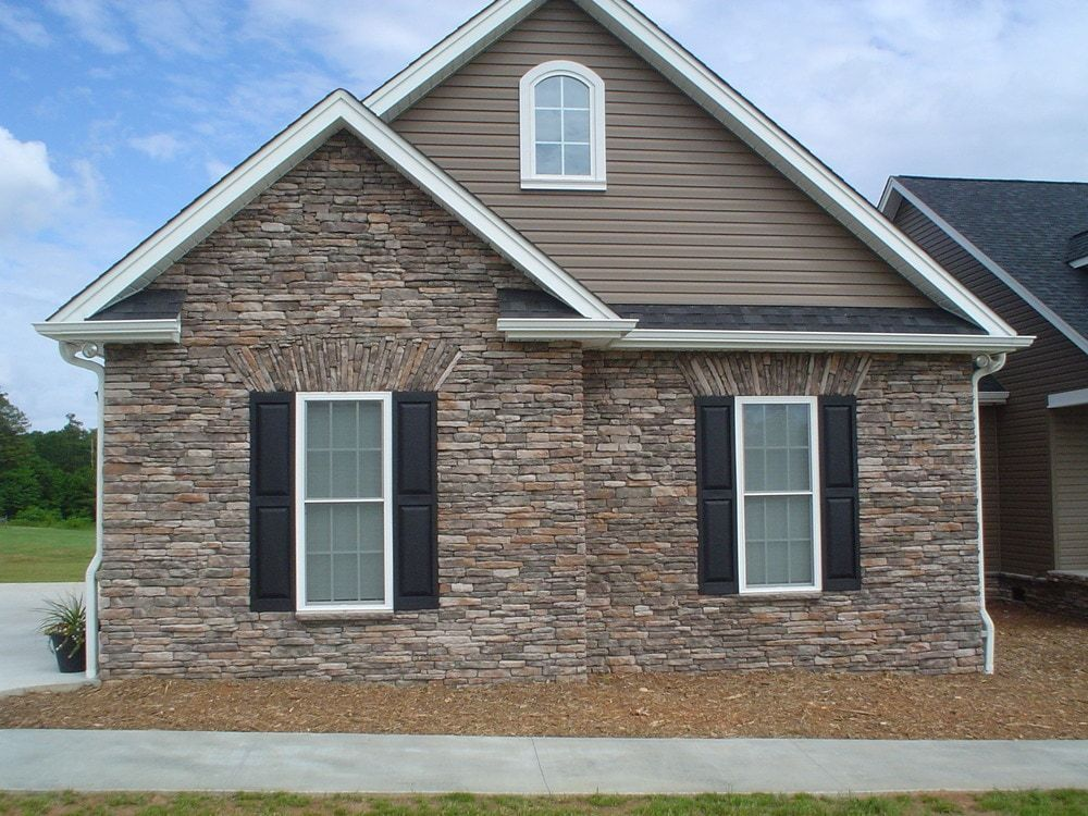 Builddirect Black Bear Stone Veneer Ledge Stone Mossy Creek In 2020 Brick Exterior House Manufactured Stone Veneer Stone Veneer