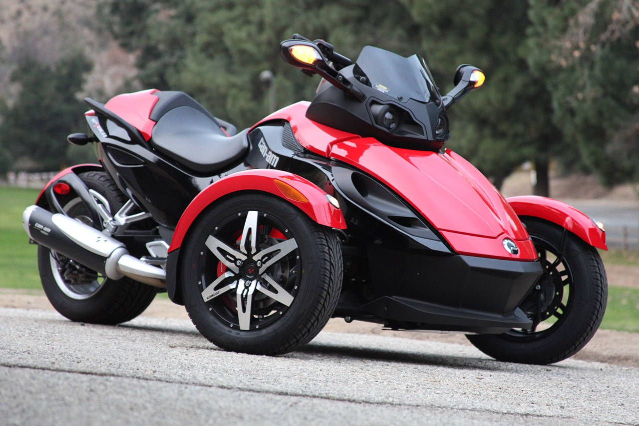 Shoud You Buy a 2009 BRP Can-Am Spyder SE5? | Can am, Moto ...