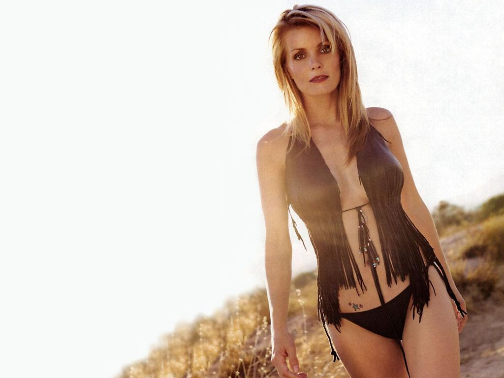 kelly packard bikini