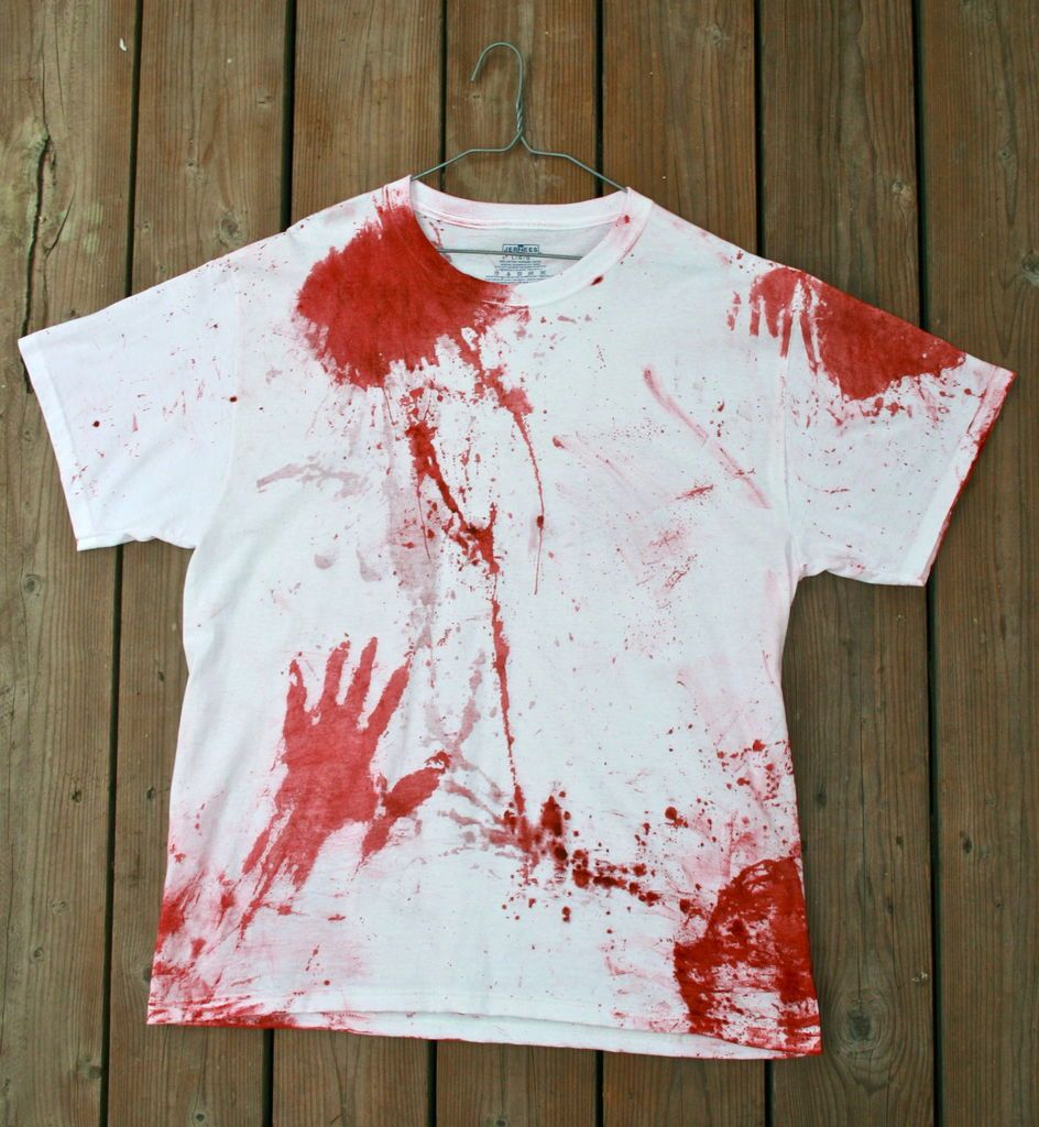 Scary Diy Halloween Decorations: Scary Splattered Shirt
