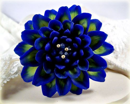 This Dahlia Offers A Beautifully Two Tone Color Of A Cobalt Blue And Yellow For A Lovely Contrast Completely Handmade F Flower Seeds Blue Dahlia Dahlia Flower