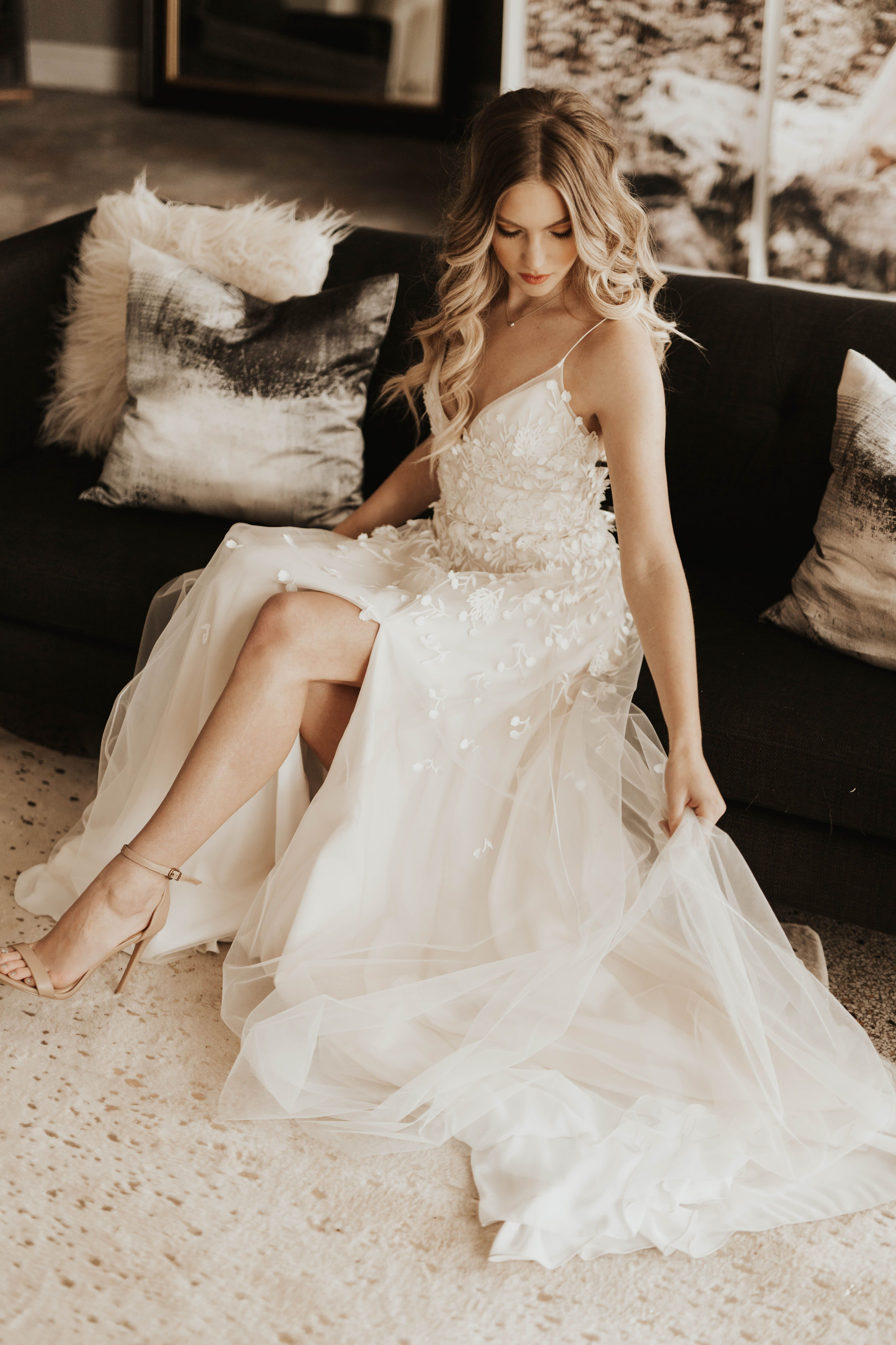 Your Guide To The Best Wedding Dress Shops In L A Short Lace Wedding Dress Best Wedding Dresses Buy Wedding Dress