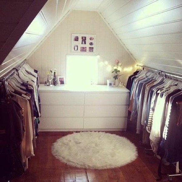Ankleidezimmer Dachschräge, der Traum jeder Frau #loftclothes