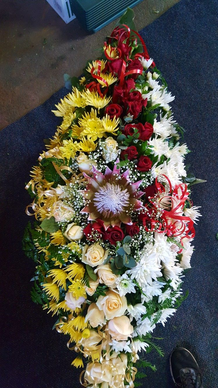 Mariska's florist Floral, Floral wreath, Florist