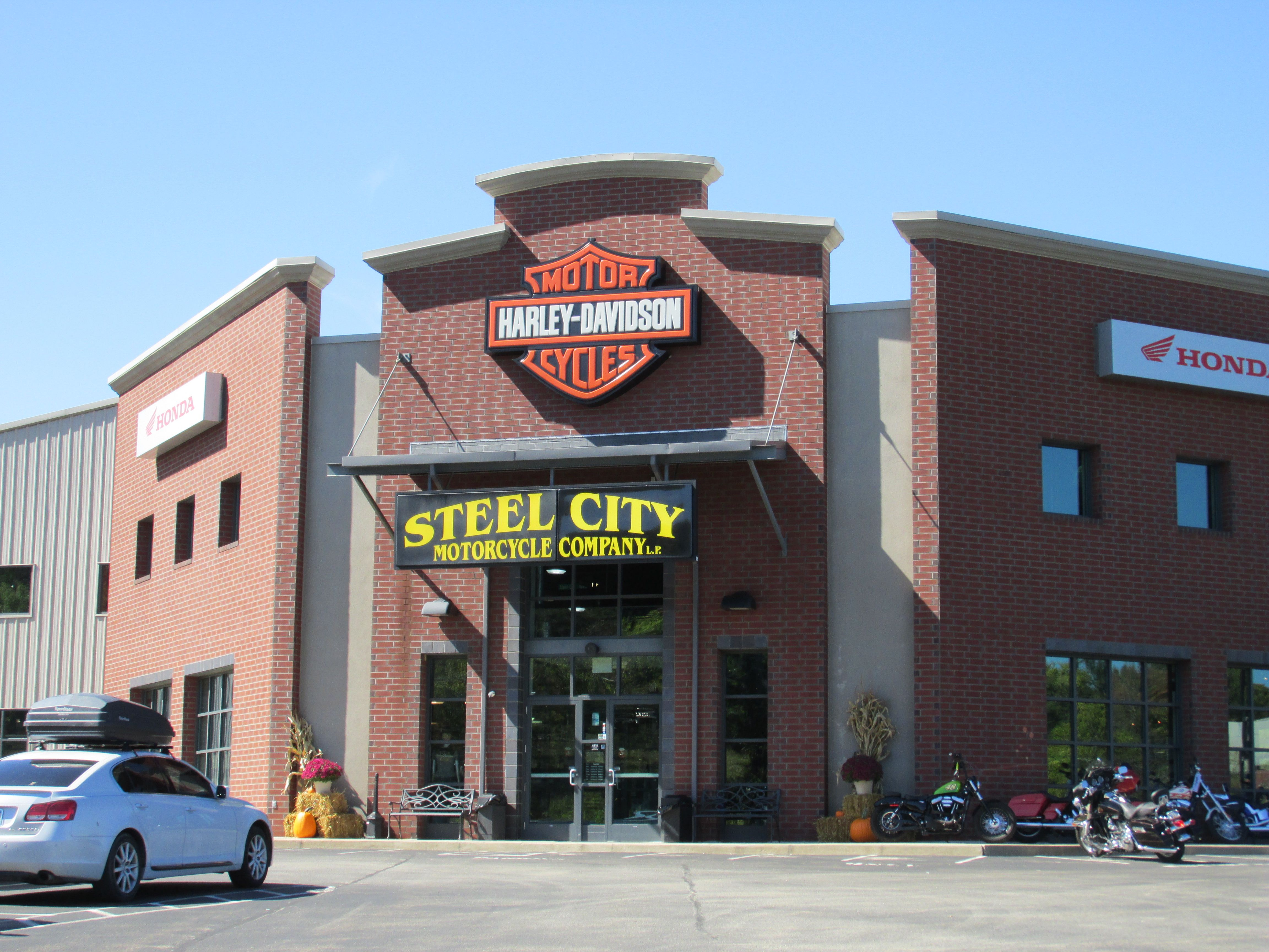 Harley Davidson Usa Steel City With Images Harley Davidson Dealers Harley Davidson Harley