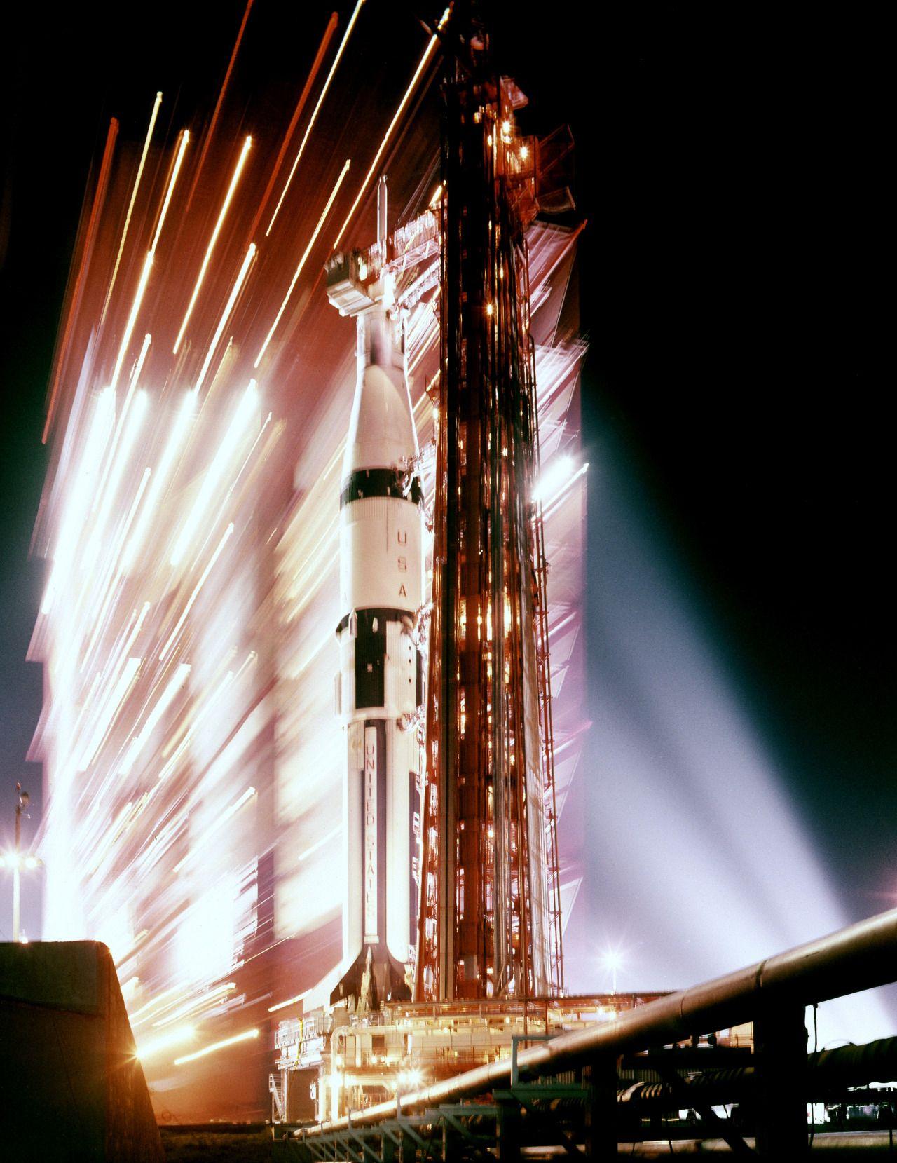 apollo space night - photo #26